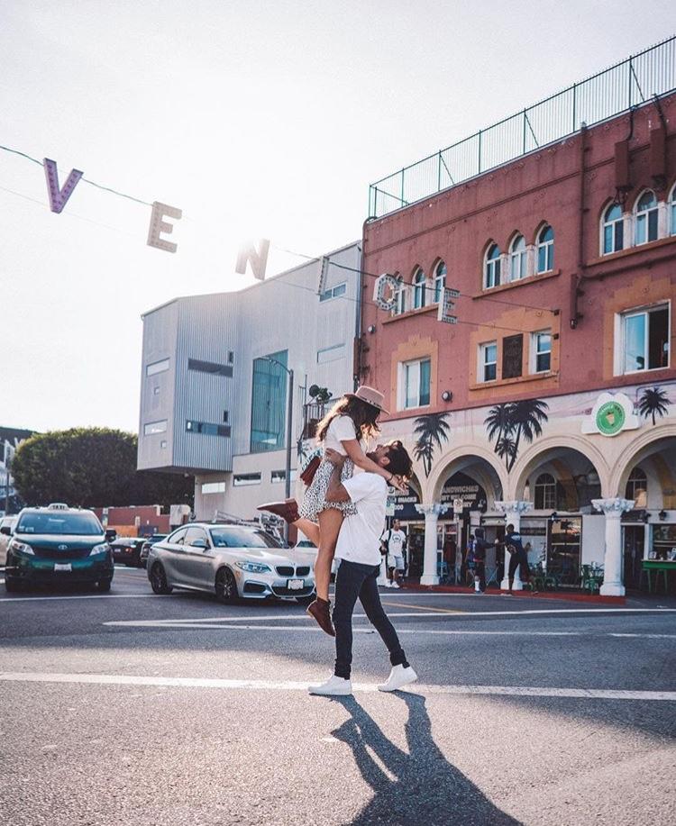 Couples Venice Beach Sign - Best LA Instagram Locations