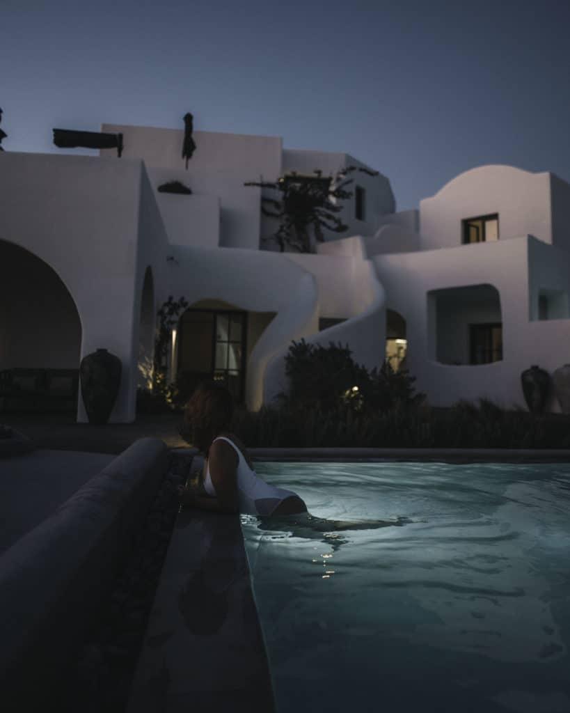 OMMA-pool-night Santorini