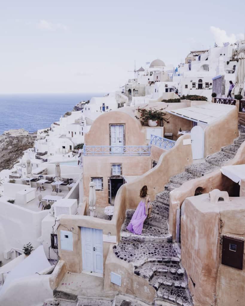 Pink-Houses Santorini Oía